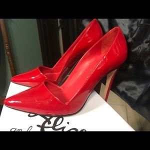 Alice and Olivia red pumps